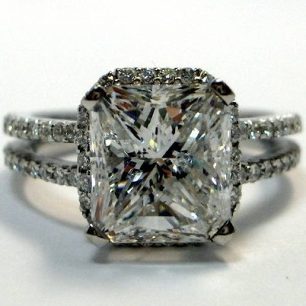 antique cushion cut diamond engagment ring